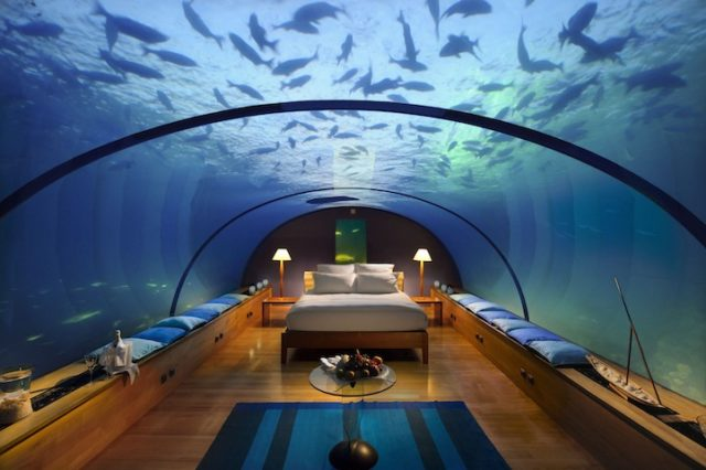 conradmaldives-underwater-bedroom-suite-640x426.jpg